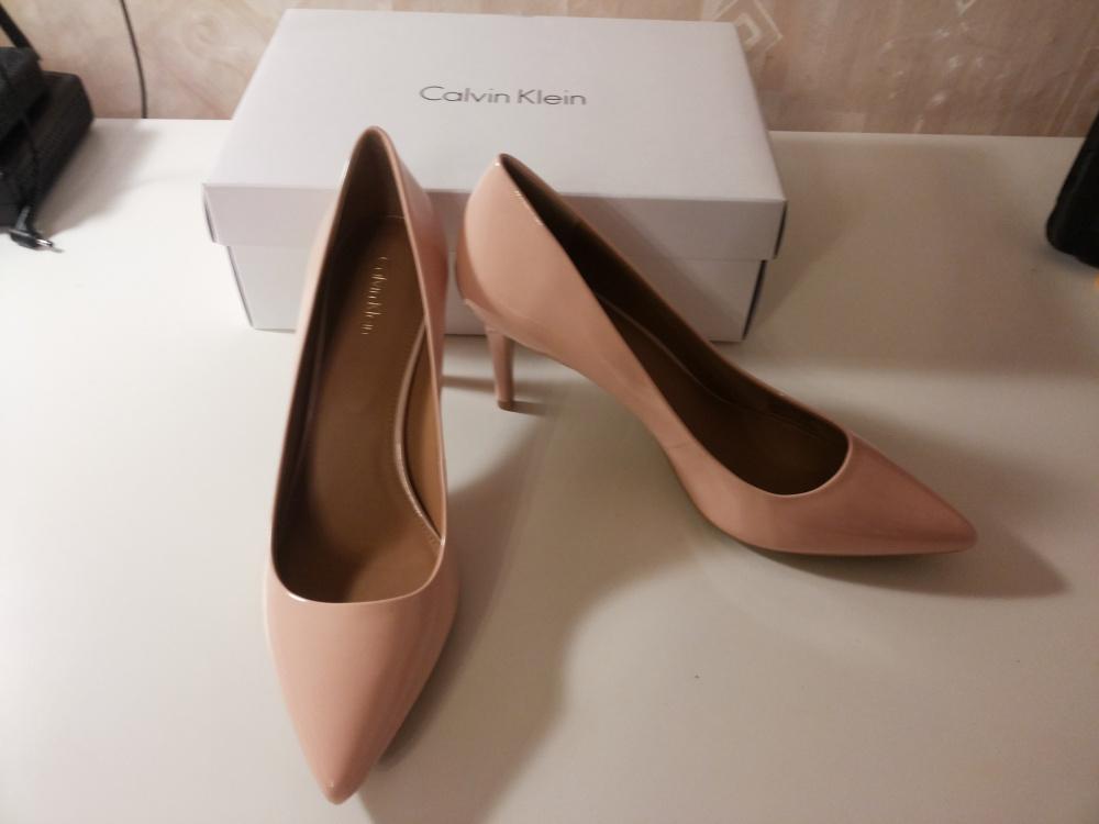 Новые туфли Calvin Klein US 9.5 EU 40