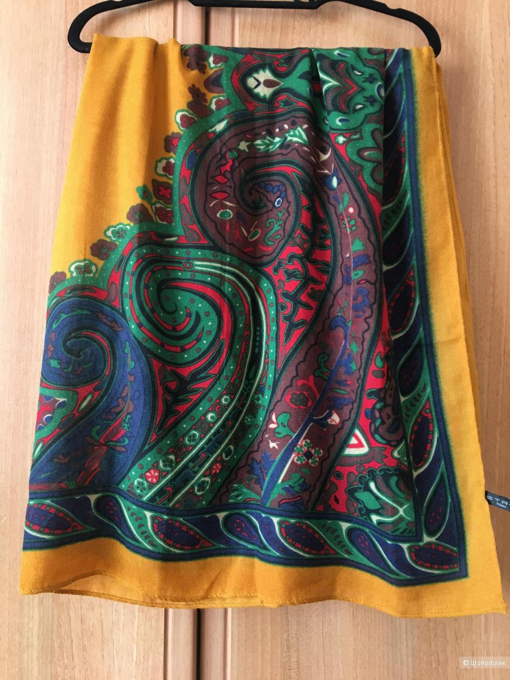 Платок шерстяной, размер 110 на 115