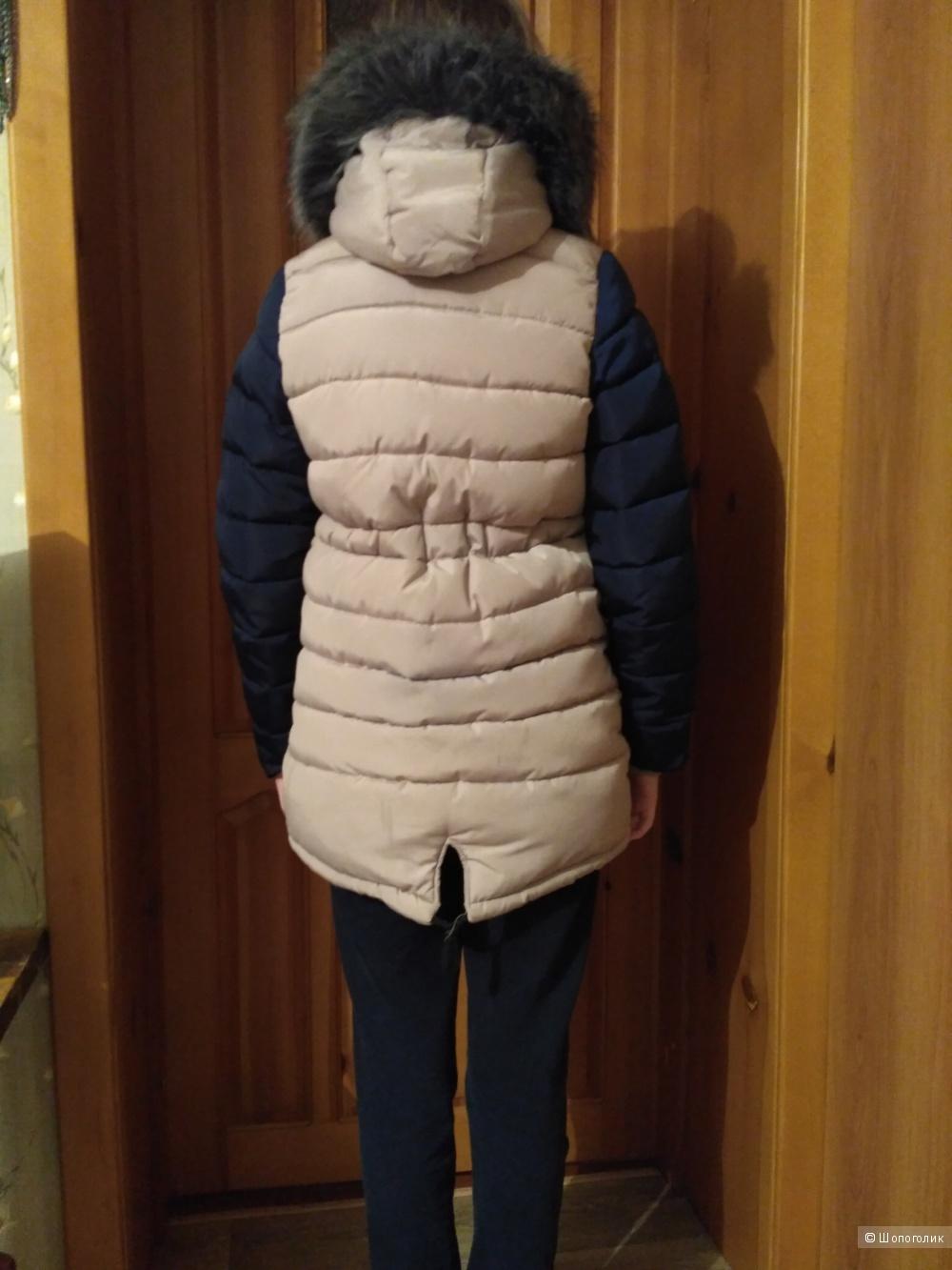 Зимняя куртка на девочку ростом от 146-152 см