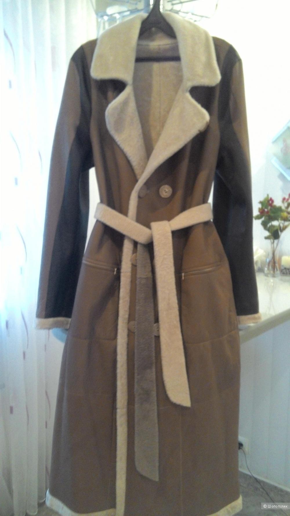 Элегантное двустороннее пальто размер 46 - 48 производство Турция
