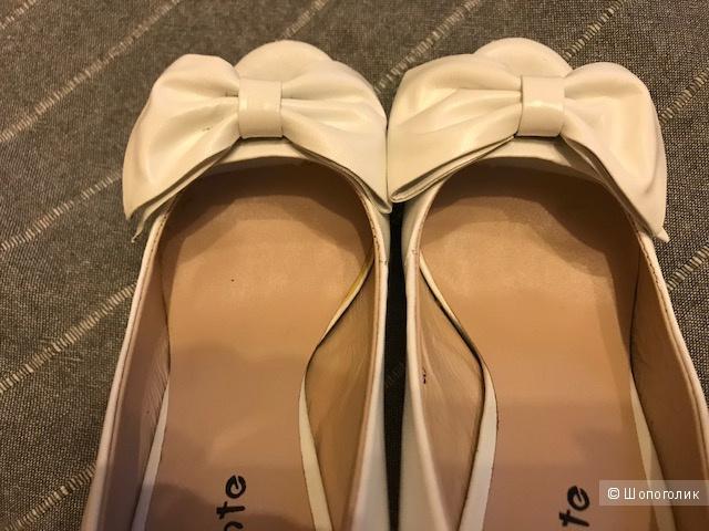 Туфли кожа белые 38 Vasconte