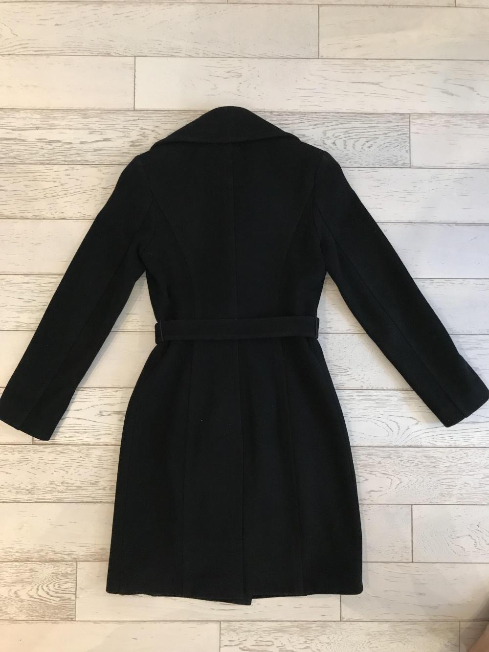 Осеннее черное пальто р.S