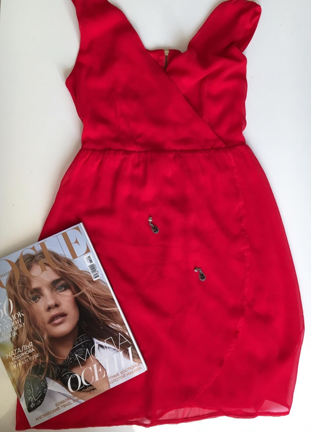 Шифоновое красное платье Stradivarius, XS