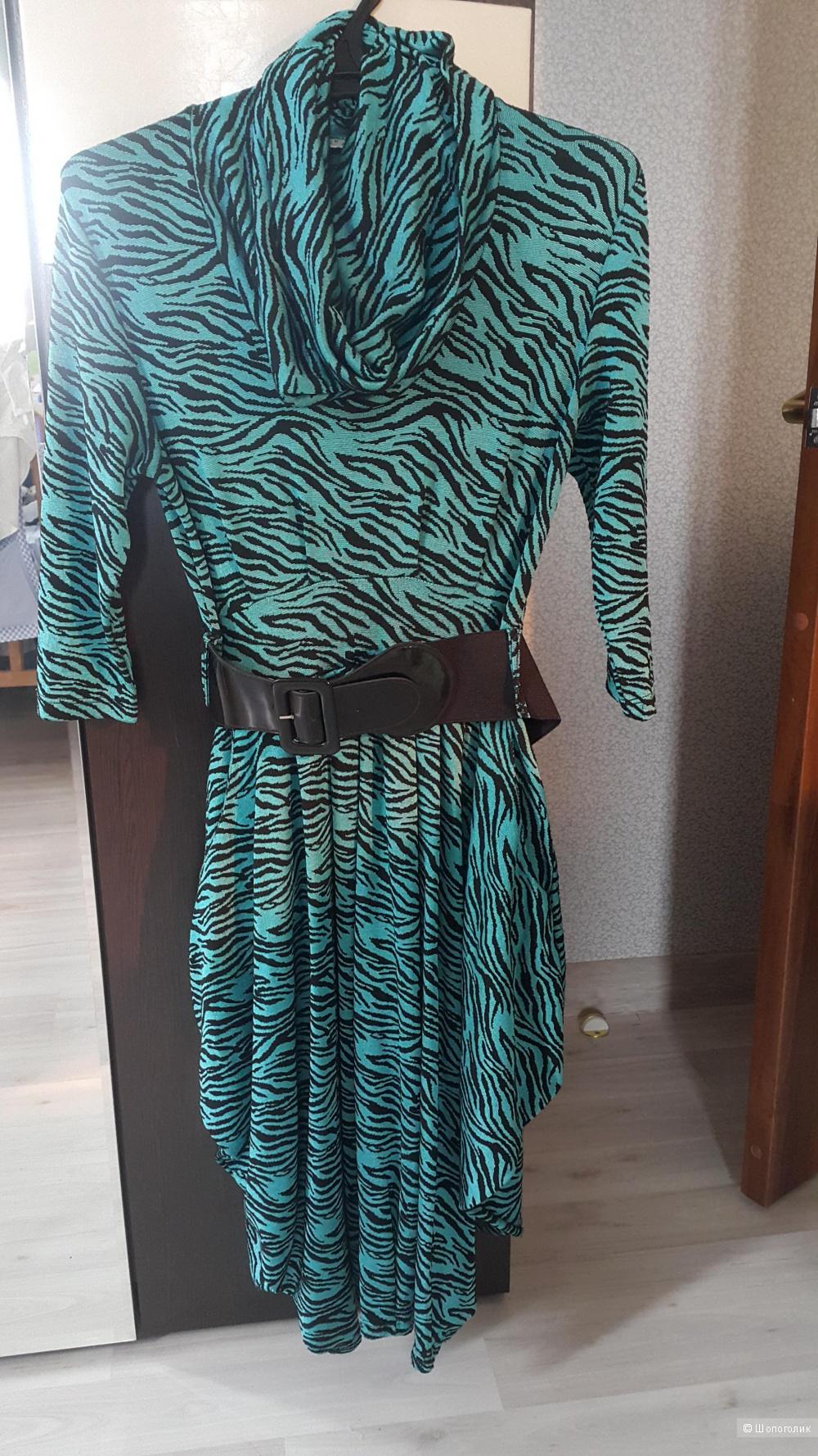 Зеленое платье ,46 размера