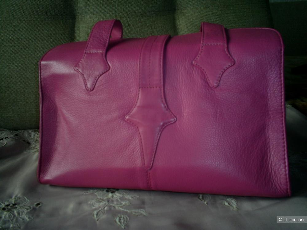 Кожаная сумка-саквояж от Tommy&Kate.