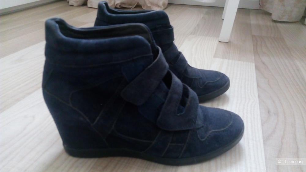 Ботинки carlo pazoloni 38 размер