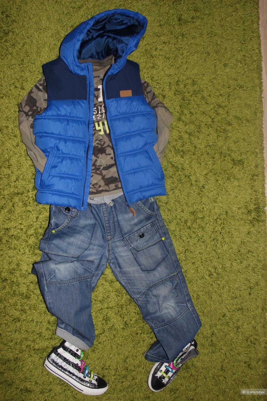 Жилет на синтепоне для мальчика ZARA, размер 128