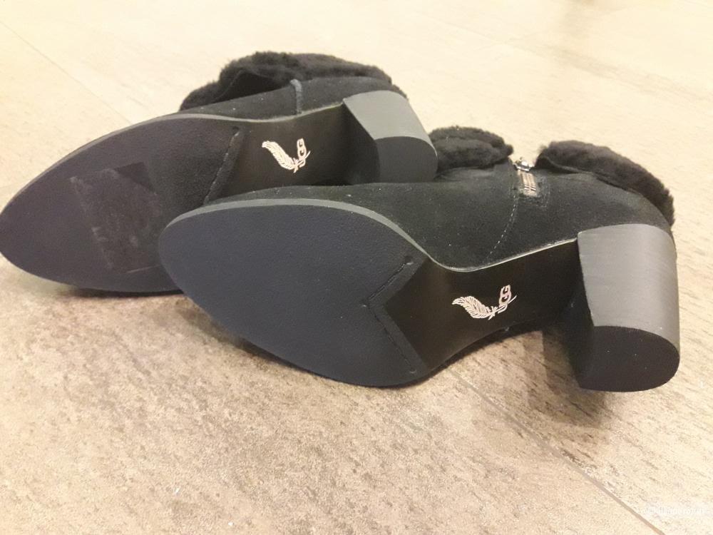 Ботинки Ugg Australia Charlee, размер 38-38,5