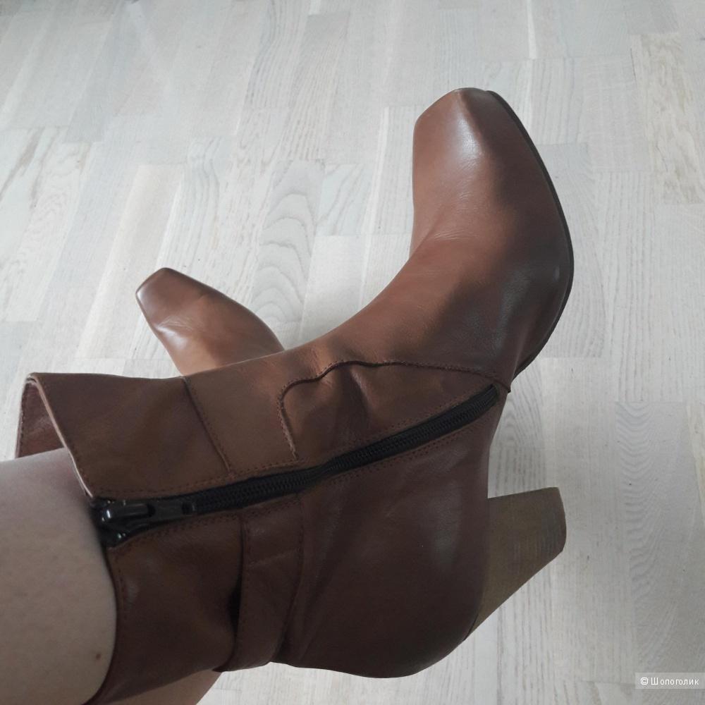 Новые кожаные ботинки ботильоны 40-41 размера