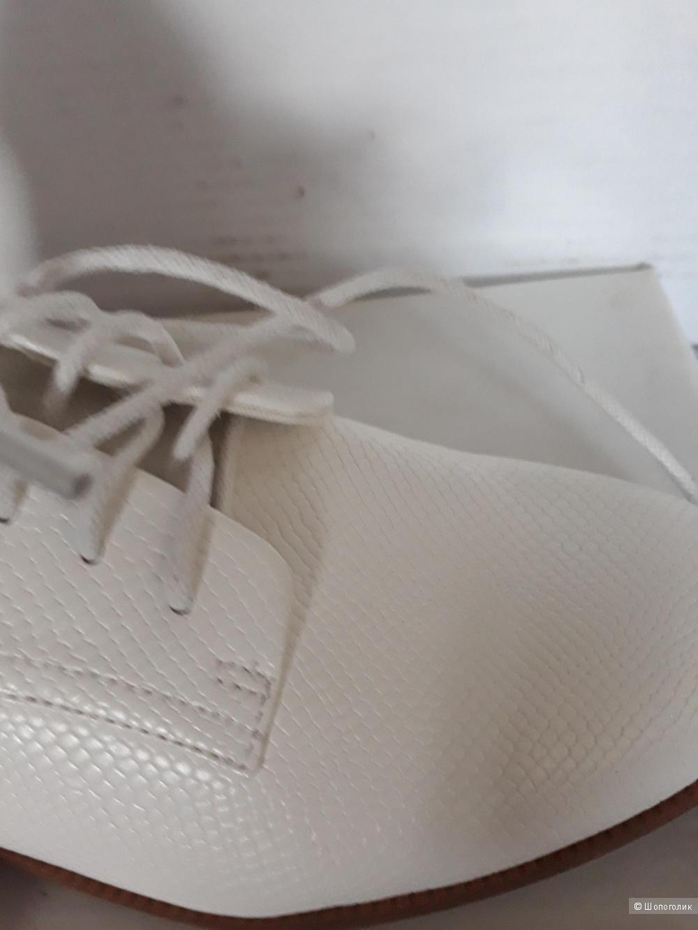 Ботинки In Extenso р.37 белые