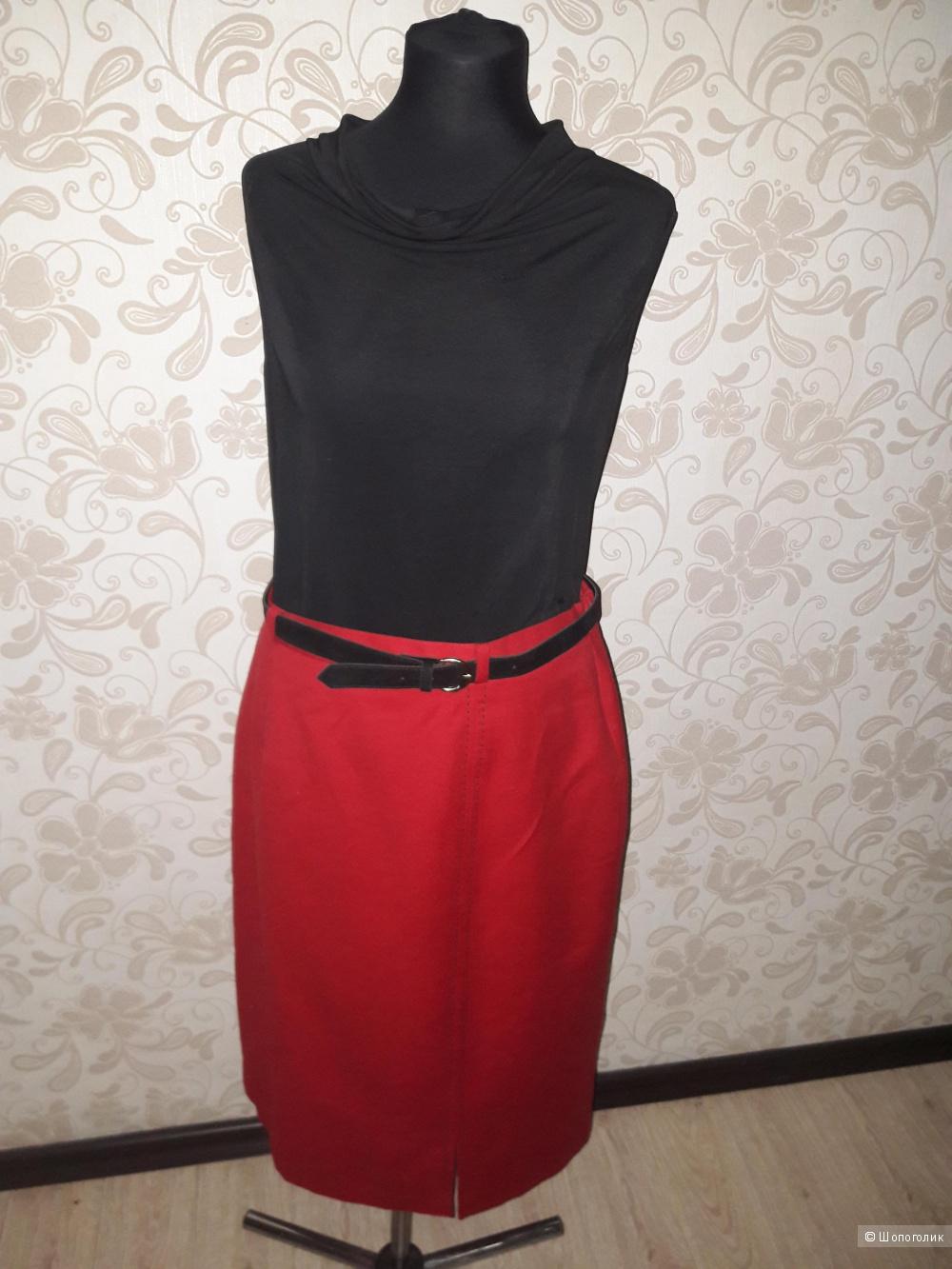 Шерстяная юбка-карандаш с черным поясом в комплекте, 50