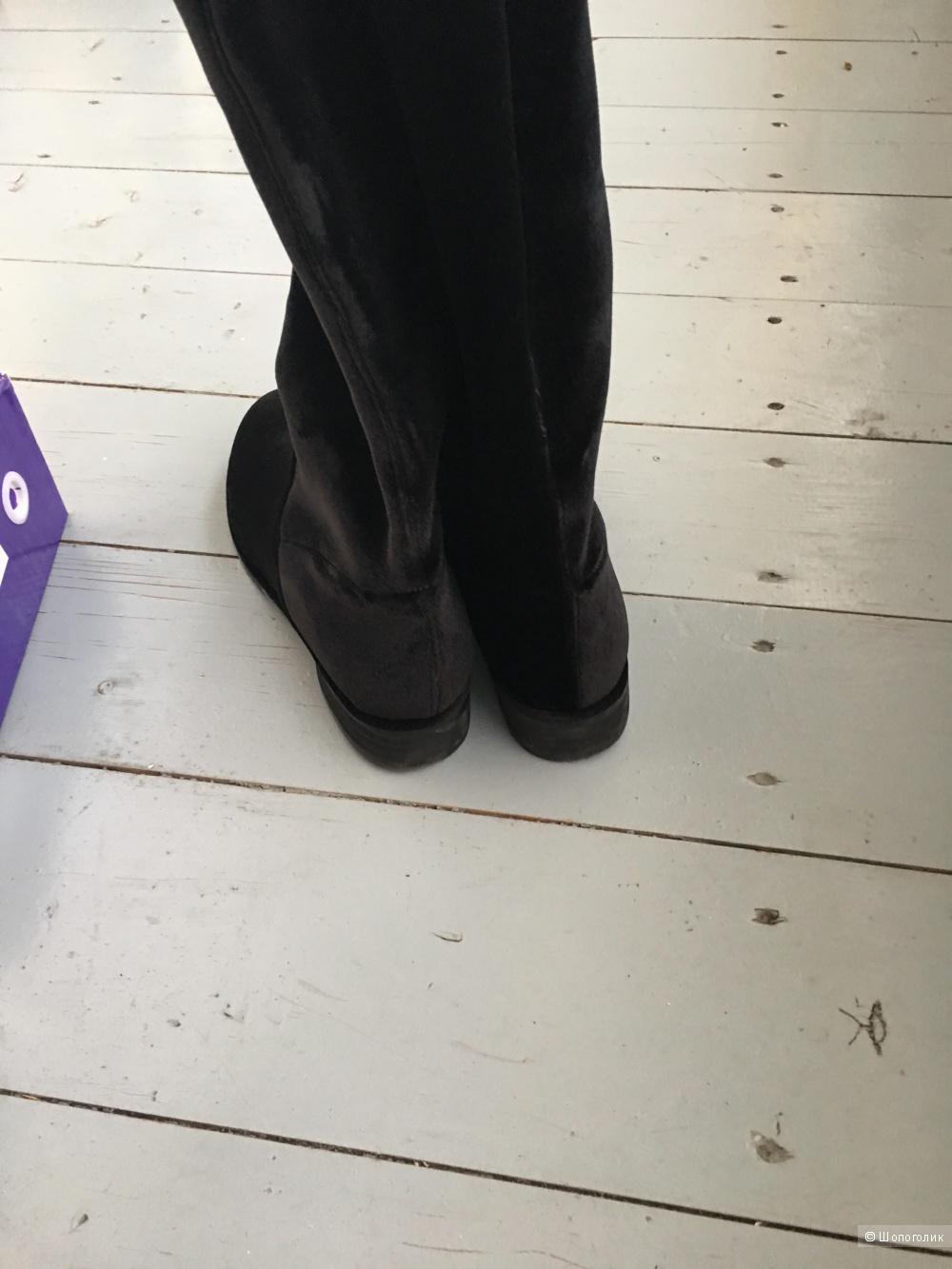Сапоги stuart waitzman без каблука на размер 39