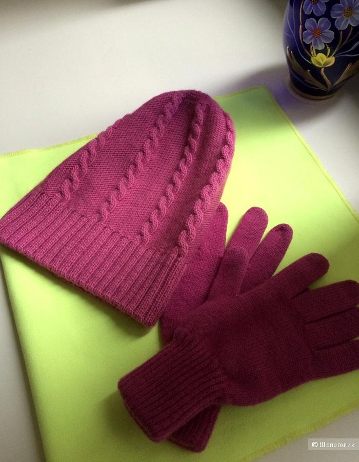 Комплект на девочку: шапка + перчатки