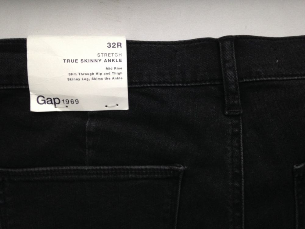 """Джинсы """" GAP """", 32 размер, США."""