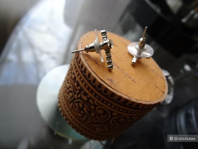 Комплект из серёжек пусетов и кольца, б/у