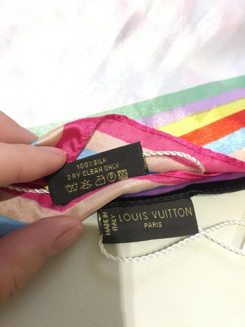 Итальянский платок Louis Vuitton, 70*70, шелк.