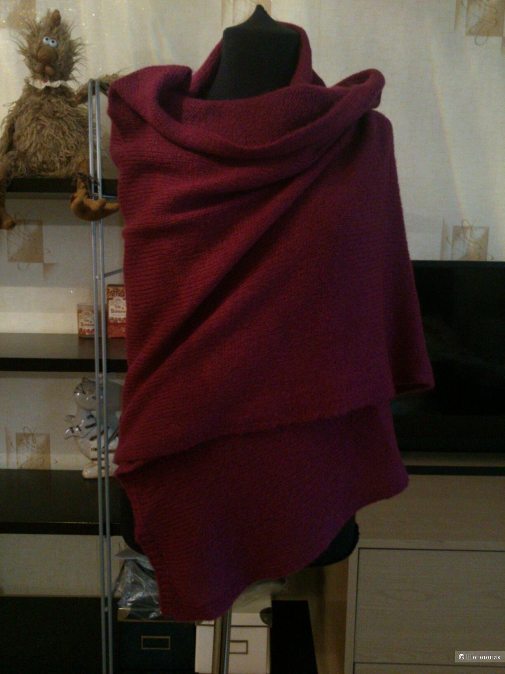 GLENFIELD (Italy), шерстяной палантин. Размер: 185 х 65 см.