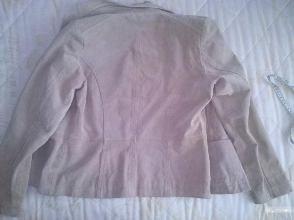 Vivien Caron замшевый жакет песочного цвета. 46 размер