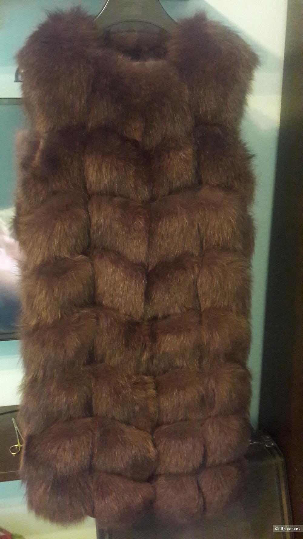 Меховой жилет из песца, размер 42-46, б/у