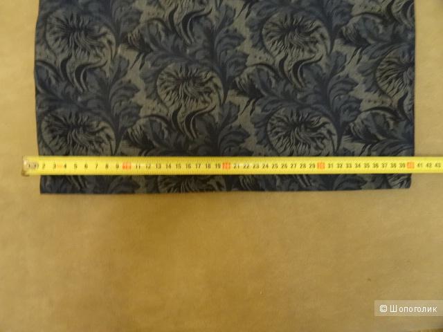 Юбка стрейч в цветах, размер 40-42, б/у