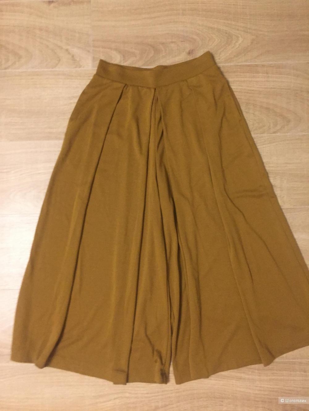 Новые брюки-колоты Uniqlo. Размер S.