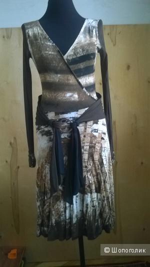 Платье трикотажное  LEGATTE  Италия   р.0 (42-44)