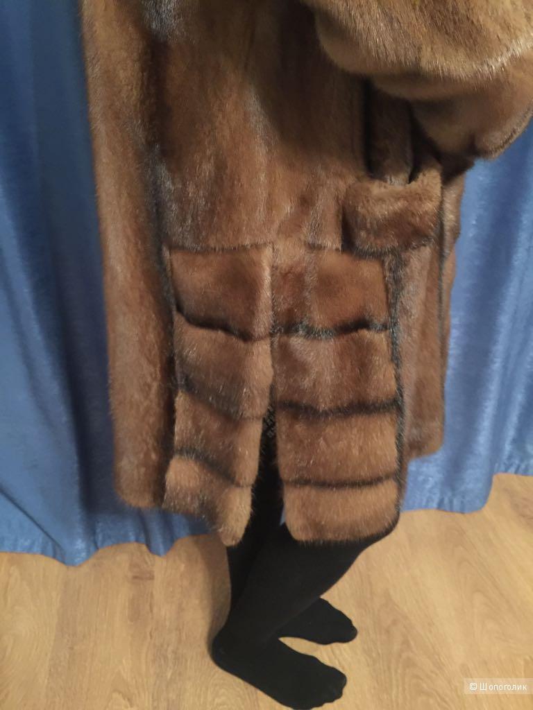 Норковая шуба,натурального цвета,р 46-48