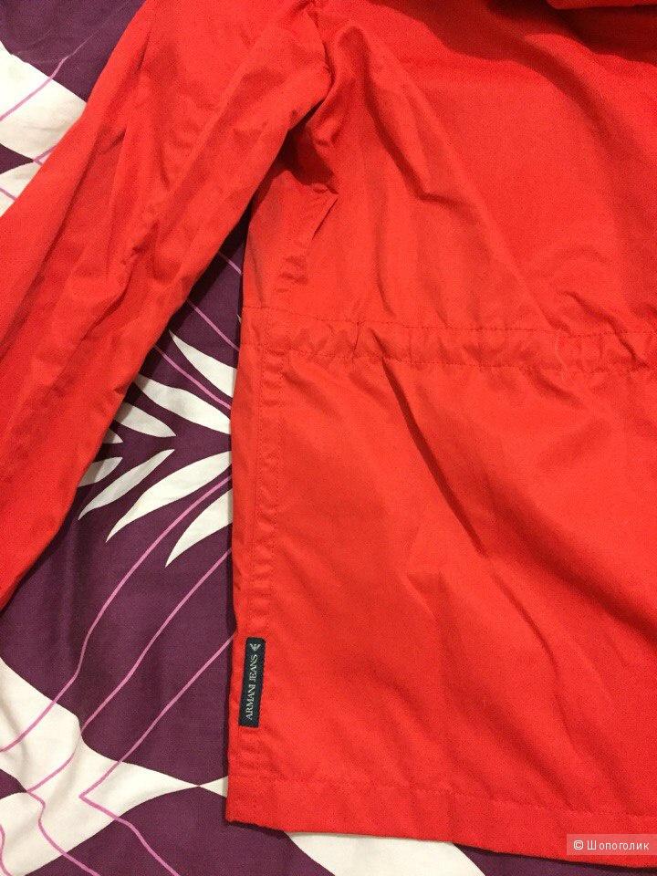 Куртка-ветровка Armani,размер 42