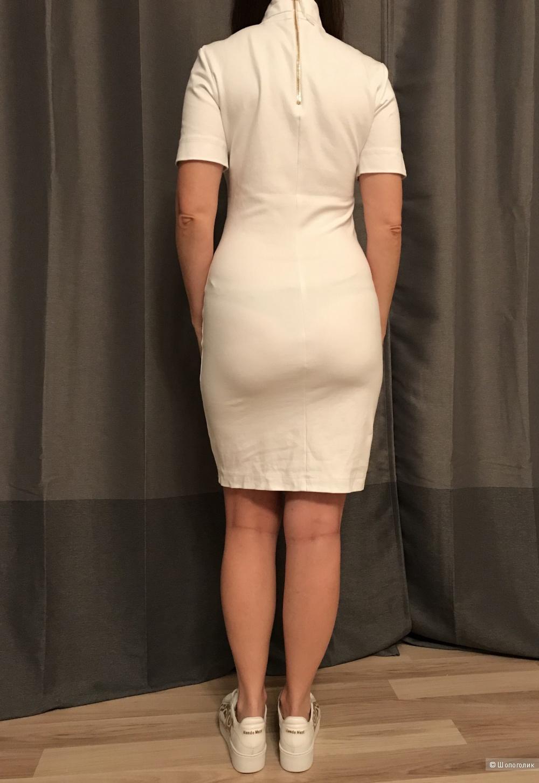 Платье LOVE MOSCHINO 42-44 размер Италия