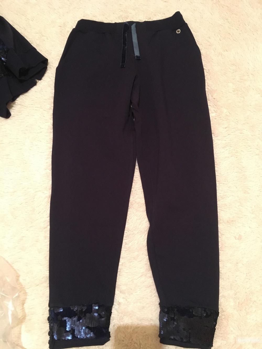 Новый костюм в стиле спорт-шик  Anima Gemella размер L, 46-48р-р