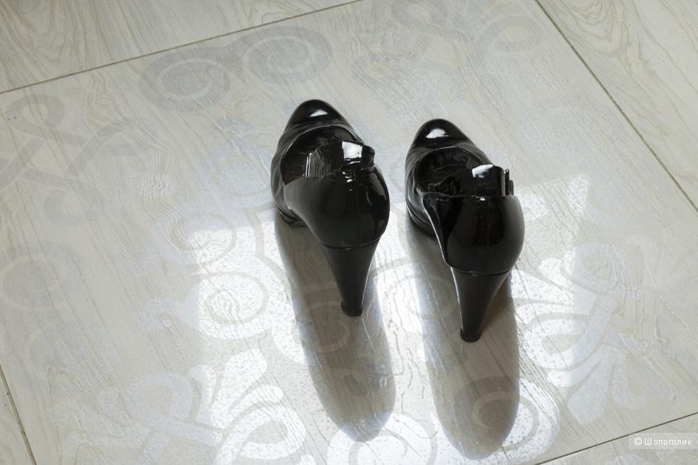 Туфли лакированные  K&S Kennel und Schmenger, размер 40.