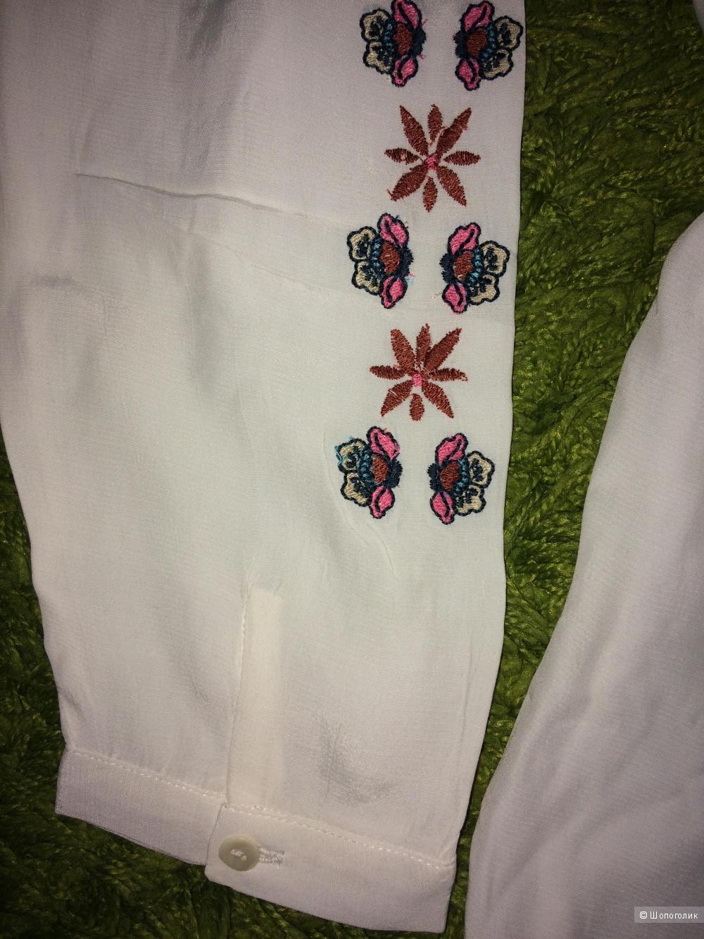 Блузка белая вискоза с вышивкой и кисточками 48-50 размер