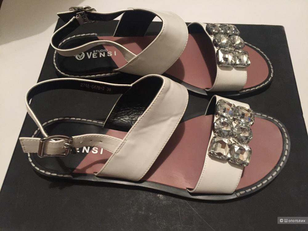 Сандалии новые Vensi размер 38