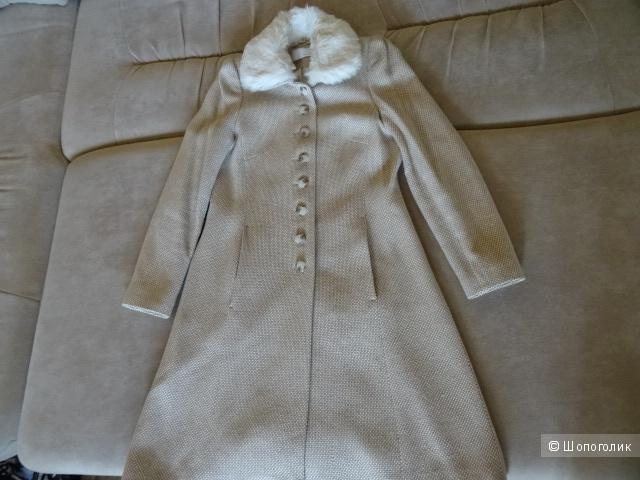"""Пальто """"Amaranto"""", размер 42-44, б/у"""