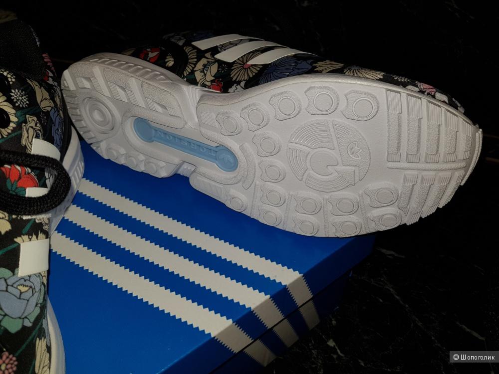 Новые кроссовки adidas 41,5-42 размер
