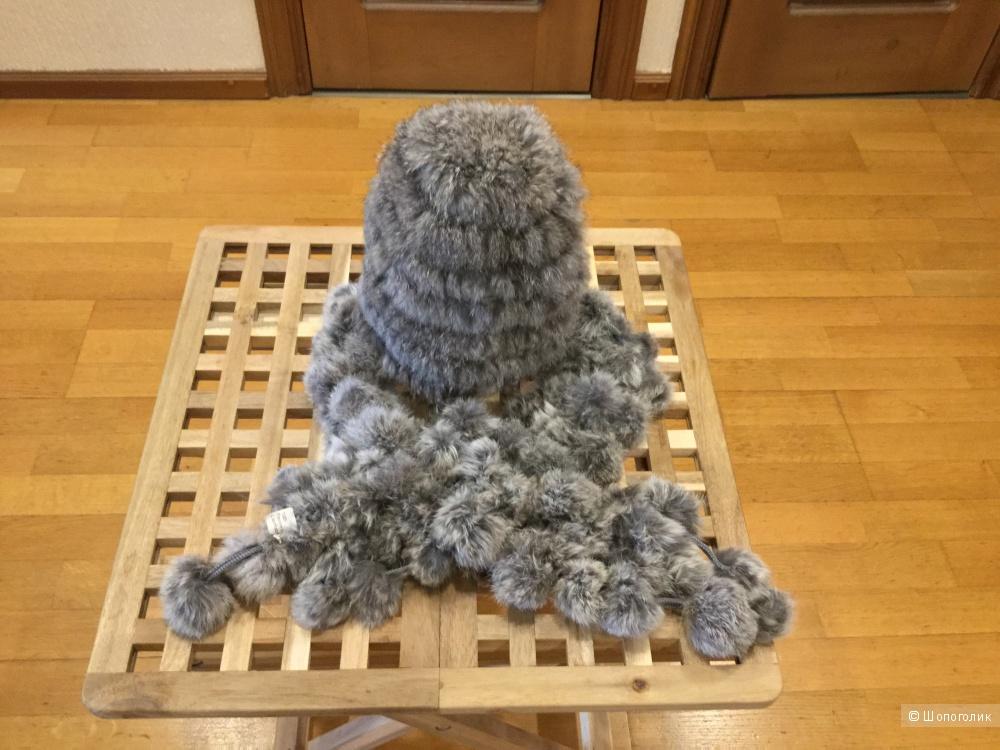 Комплект, состоящий из шапки  и шарфа из вязаного кролика