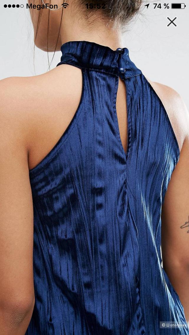 Бархатное плиссированное платье от Missguided (UK 10 - EUR 38)