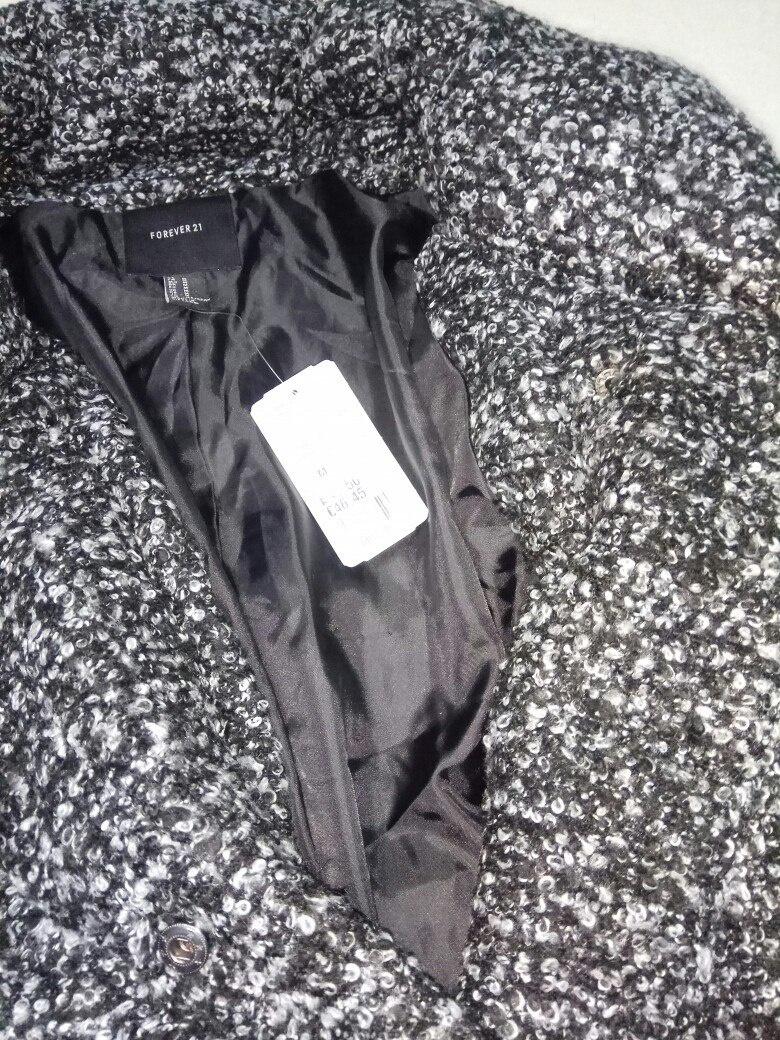 Новая куртка Forever 21,рр 44-46.