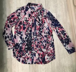 Новая удлиненная блузка-рубашка с принтом, размер М