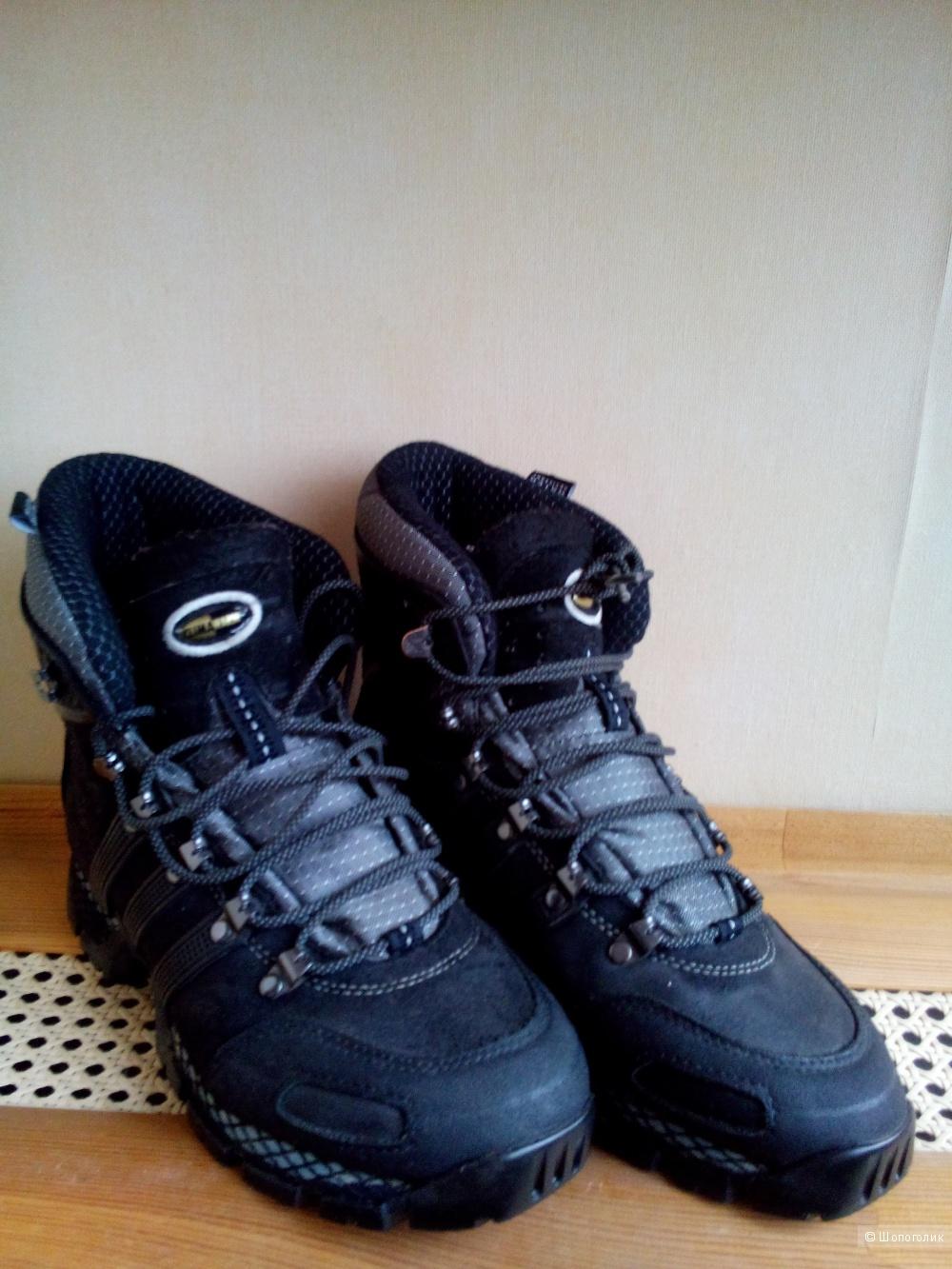 Ботинки-кроссовки ADIDAS Waterproof Climawarm зима-осень в размере 38 FR, 5 1/2 US,5UK