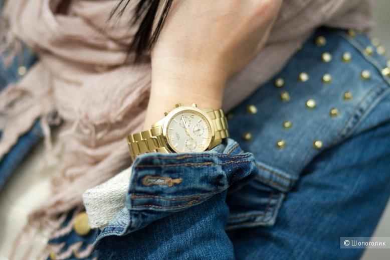 Часы GUESS желтое золото