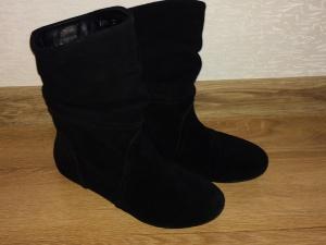 Утепленные замшевые ботинки черного цвета р-р36-36,5