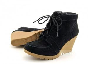 Mia Boots, 8.5 US