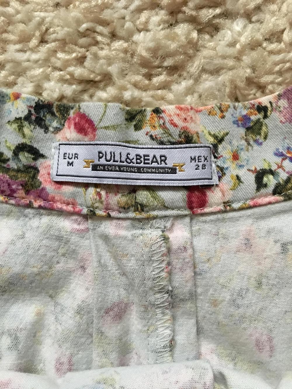 Джинсовая юбка в цветочек Pull and Bear, размер M