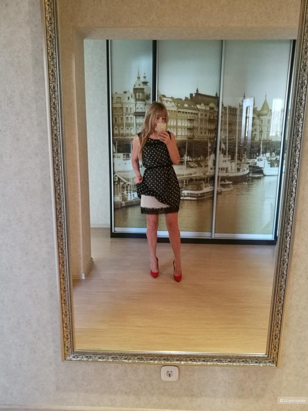 Piazza Italia ,40/42/44.Платье