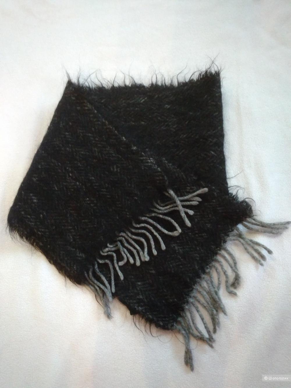 Черный мохеровый шарф COCCINELLE 24*120