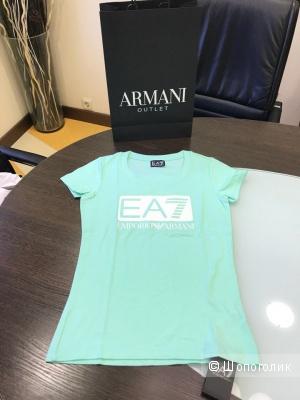 Женская футболка EA7, размер XS и М
