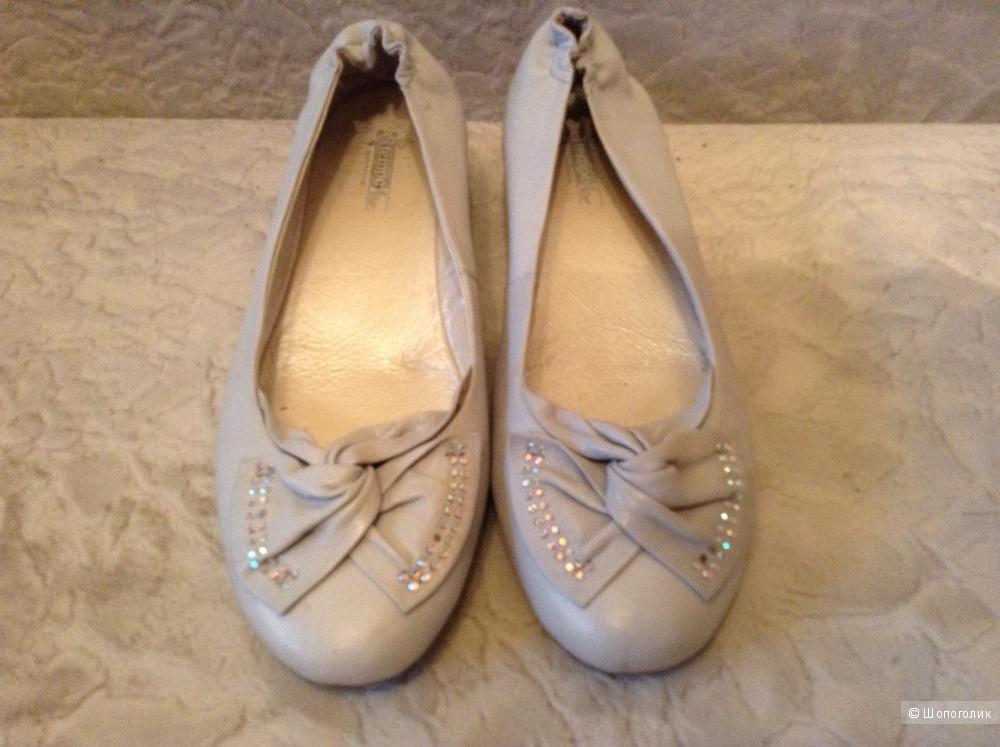 Кожаные  балетки фирмы elTempo 40 размера
