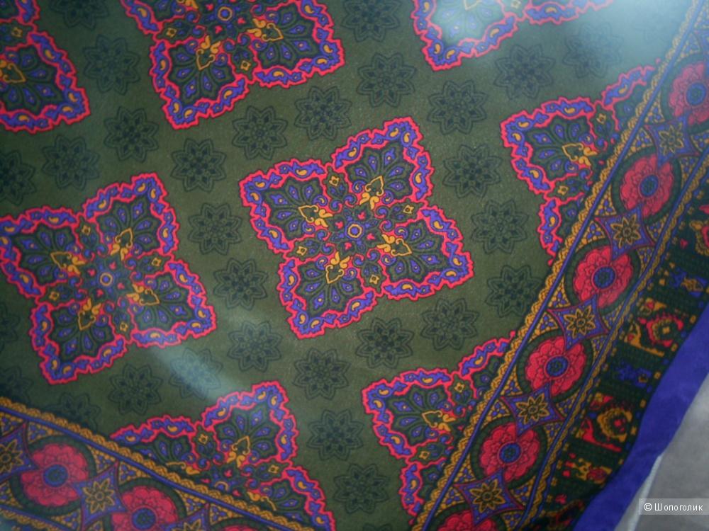 Шелковый платок 77-77 см от Jaeger.