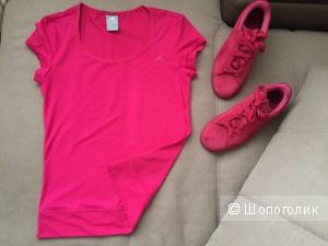 Футболка Adidas, размер S, цвет фуксия.